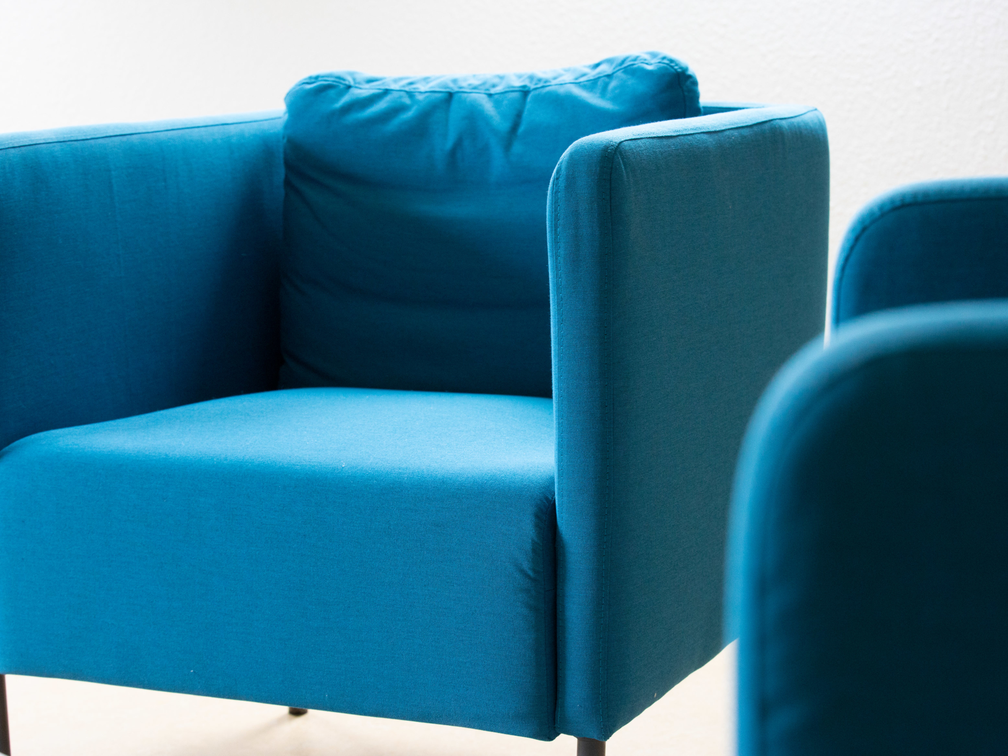 Blaues Sitzmöbel