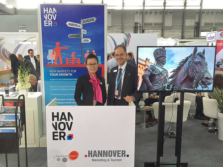 Hannover Lounge Stand