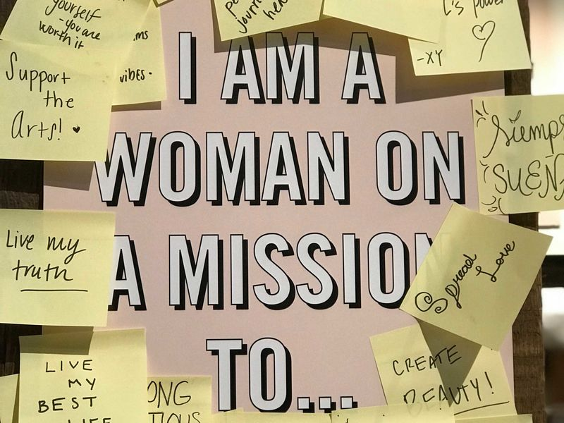 "Mindmap, in dessen Mitte steht ""I am a woman on a mission to...""."