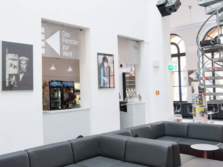 Lounge und Foyer KoKi | Kino im Künstlerhaus: Impressionen ...