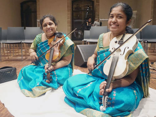 """Violin Sisters"": Lalitha und Nandini Muthuswamy"