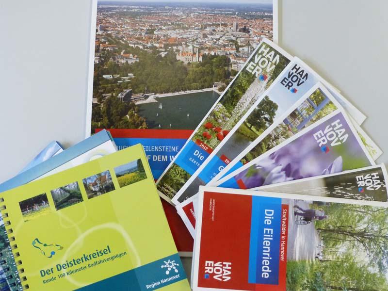 Kartenmaterial und Broschüren von Stadt und Region