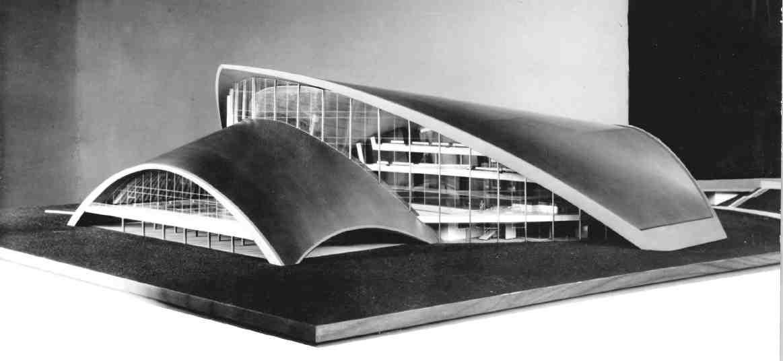 Modell des Stadionbad Hannover. Aus: Stadionbad Hannover, Entwurf 1965: Friedrich Florian Grünberger, Düsseldorf, Wien.