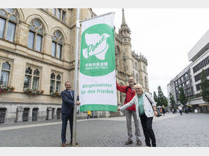 Die Mayors-for-Peace-Flagge in Braunschweig