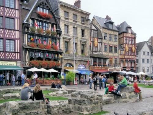 Rouen's Market Place with timberframe houses