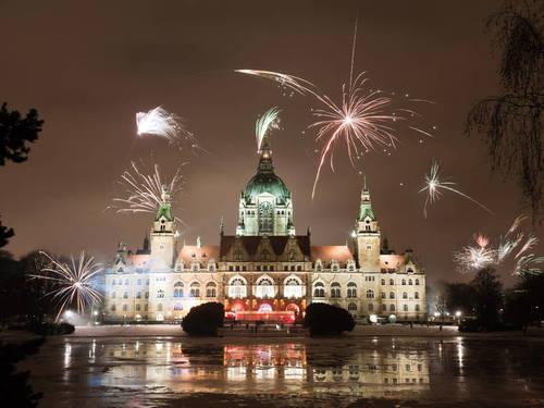 Sylvesterfeuerwerk am Neuen Rathaus
