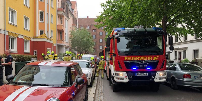 Ein Keller brennt in Linden-Süd