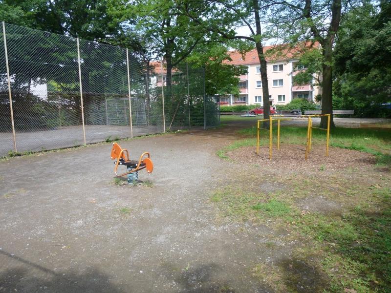 Wippe auf dem Spielplatz Boelckestraße