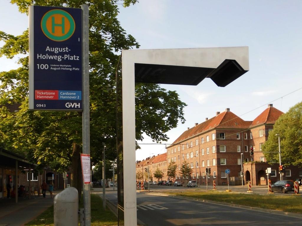 Bushaltestelle am August-Holweg-Platz