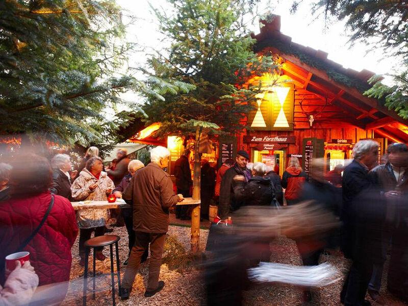Norden Weihnachtsmarkt 2019.Eine Weihnachtsmarkt Tour Quer Durch Die Stadt Unternehmen Zehn