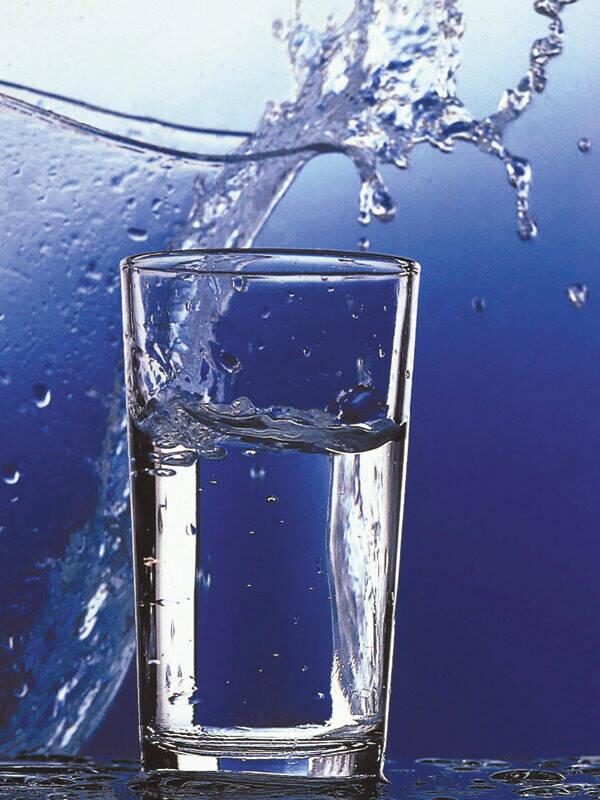 Trinkwasser im Glas | Trinkwasser | Umwelt | Bilder Region