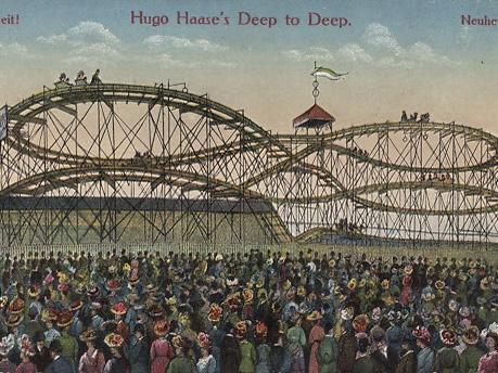 Historische Postkarte, die eine Achterbahn zeigt.